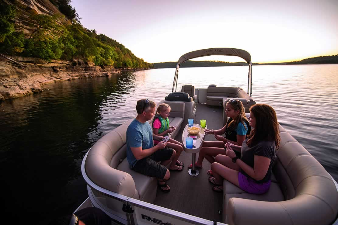 Ranger Reata 220C Cruise Pontoon - Mercury Four Stroke